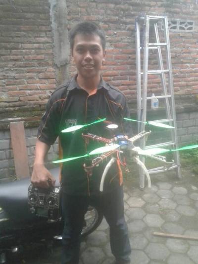 Karya Dua Mahasiswa FT UNY: Robot Terbang Pengawas Pantai