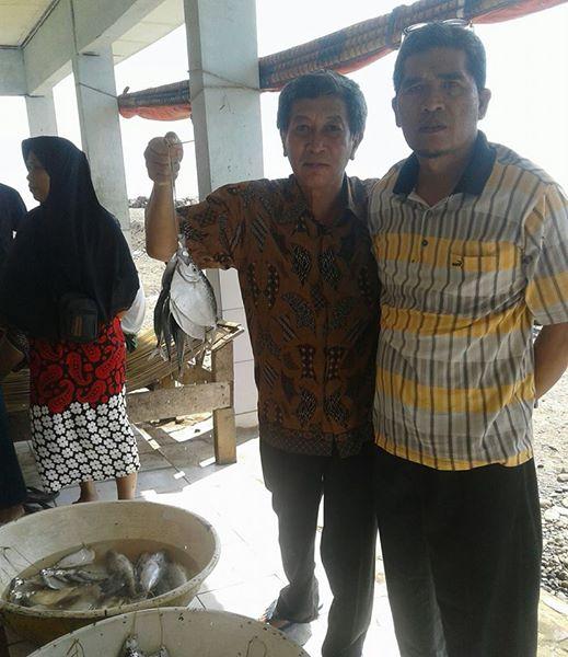 Nyenyore di Bulan Ramadhan, Pilih Ikan Segar (1)