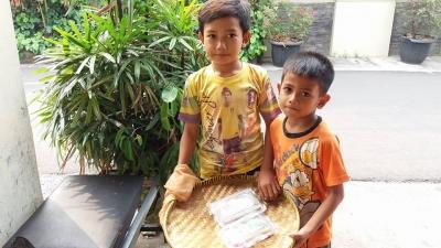 Giyas dan Arul: Pedagang Cilik
