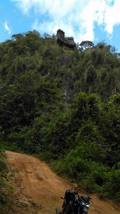Obyek Wisata Watu Timbang Raong Yang Mengagumkan