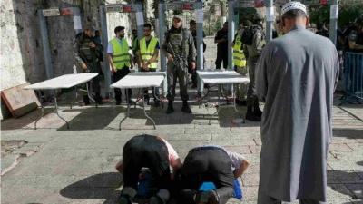 Dipasang Detektor Logam dan Ditutup, Masjid Al-Aqsa Kini Milik Siapa?
