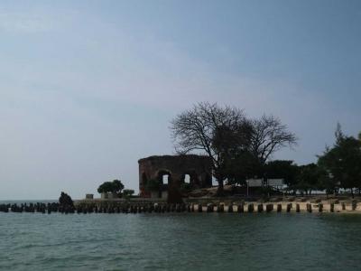 Pulau Kelor, Pulau Pemakaman yang Indah dan Bersih