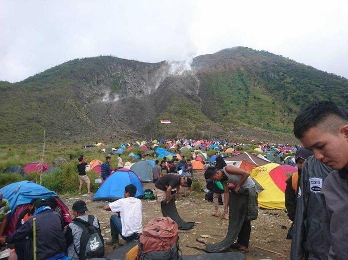5000-an Warga Merayakan HUT Ke-72 RI di Gunung Talang