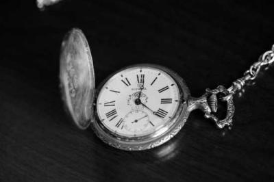 Puisi | Bayang-bayang Waktu