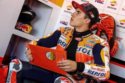 Marquez Juara MotoGP Aragon, Rossi