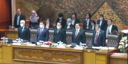 Masker Politik Serang Jokowi