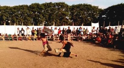 Nonton Pertarungan Berdarah Selepas Ashar,  Perisaian Kendo Ala Lombok