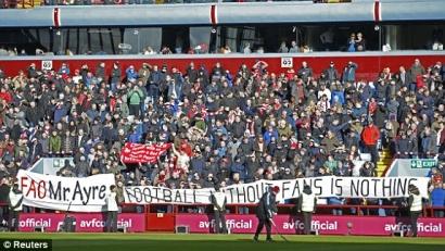 """""""Football Without Fans is Nothing"""", Pesan di Balik Kemenangan Telak 6-0 Liverpool"""