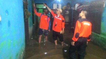 Kisah Banjir Bandung, Ada yang Menyelamatkan Diri dari Banjir dengan Menjebol Genteng