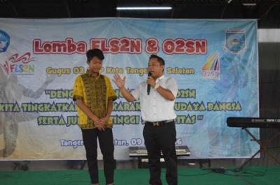 Narji Cagur Hadiri Acara FLS2N dan O2SN di SMP Islam Al Syukro Universal