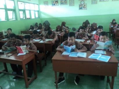 Mewujudkan Sekolah Berbasis Literasi di SMPN 3 Wates Kediri