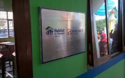 Gotong-royong Benahi Sarana Pendidikan dan Kesehatan di Karawang