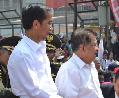 6 Sikap Presiden Jokowi Terkait Debat Komunis Kivlan Zein dan Luhut, Hanya Panggung Politik