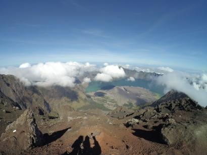 Lombok 02: Rinjani, Gunung yang Seolah Menceritakan Dirinya