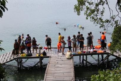 """Danau di Tengah Lautan """"Memeluk"""", Hanya Satu di Indonesia"""