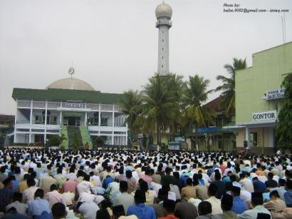 THR Rp10.000 buat Santri Gontor, Ketika Manusia Berucap Syukur