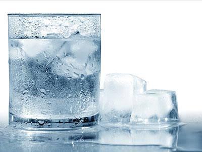 Minum Air Dingin Bikin Gemuk?