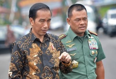 Jokowi Tunda Lebaran Kuda SBY