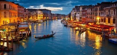 Andai Liburan ke Venezia Bisa Seindah ini