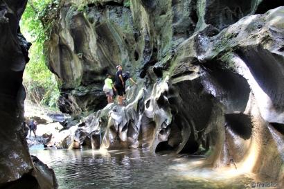 """""""Hidden Canyon"""" Beji Guwang, Cantik tapi Menantang"""