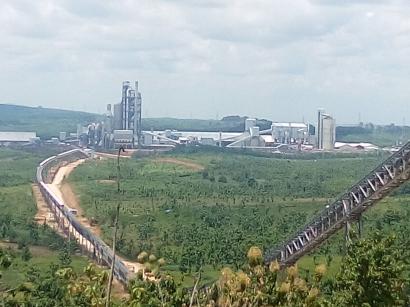 Pabrik Semen Ditutup, Rakyat Semaput