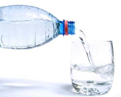 Perbedaan Air Mineral, RO, dan Isi Ulang