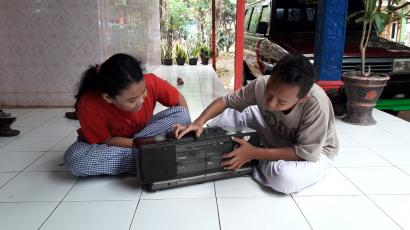 Penyambung Hidup di Saat Bencana Itu Bernama Radio