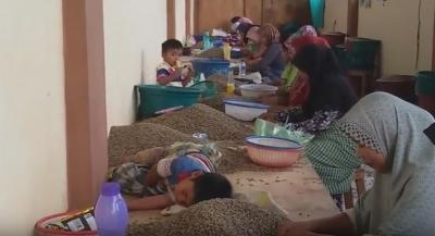 Bos Penyayang, Izinkan Merawat dan Menyusui Bayi di Tempat Kerja