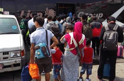 Ibu dan Anak Vs Transportasi Publik