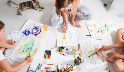 Memanjakan Otak dengan Seni, Memang Bisa?