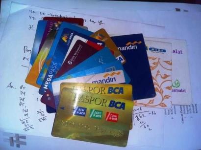 Memanfaatkan Bank untuk Mengelola Keuangan