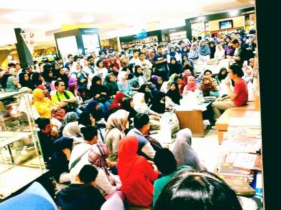 Protes Tere Liye dan Gerakan Literasi Setengah Hati #31