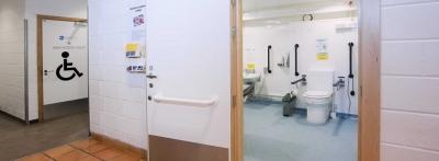 """Sebenarnya, Bagaimana Standardisasi [Minimal] untuk """"Toilet Disabled?"""""""