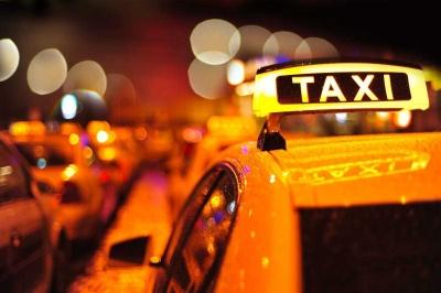 """Apakah Matinya Perusahaan Taksi di Jakarta Disebabkan oleh Taksi """"Online""""?"""