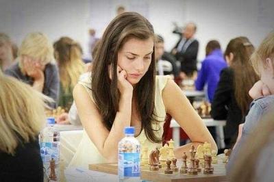 Alexandra Botez, Pecatur Paling Cantik Sedunia