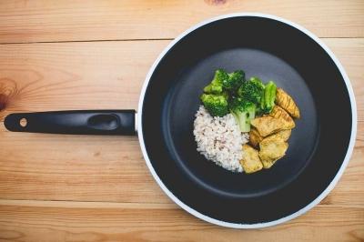 Menyajikan Kuliner untuk Keluarga, Lebih Nyaman dengan Produk Halal