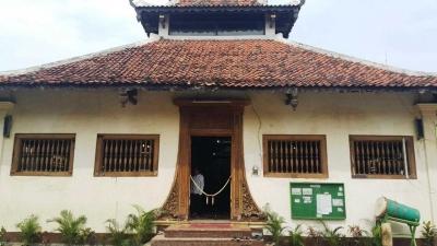 Akhirnya, Pak Djarot Tanda Tangani Prasasti Pemugaran Masjid Angke