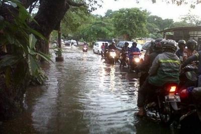Banjir dan Longsor Melanda Tangerang Selatan