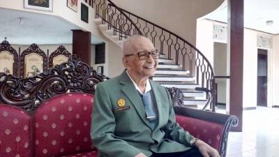 Mengenal Pendiri UPN Veteran, Profesor Bambang Soeroto