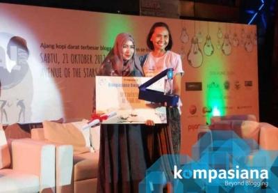 Lilik Fatimah Azzahra Raih Dua Penghargaan di Kompasianival 2017