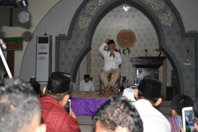 Gus Sholah Serukan Kerukunan Beragama di Masjid Agung Sungailiat