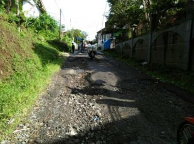 Miris! Begini Kondisi Jalur Utama Menuju Objek Wisata Gunung Galunggung