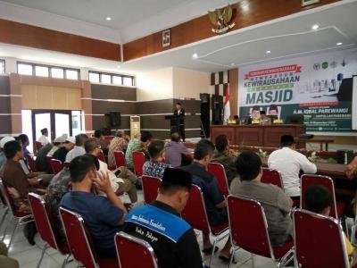 Seminar Kewirausahaan Berbasis Masjid di Palopo