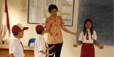 Mencari dan Merangkai Kebanggaan Menjadi Guru