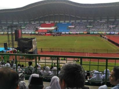 Pidato Pak Jokowi Disambut Meriah oleh Guru Se-Indonesia
