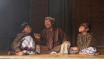 Mengapa Orang Jawa Tidak Punya Nama Keluarga?