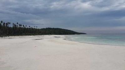 Menjelajahi Keindahan Pulau Maratua, Kakaban, dan Sangalaki