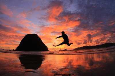 """Berburu """"Sunset"""" Terseksi di Ujung Timur Pulau Jawa"""
