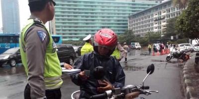 Dari Kembalinya Akses Sepeda Motor di Jalan MH Thamrin hingga Rekor Buruk Islandia Lawan Tim Asia