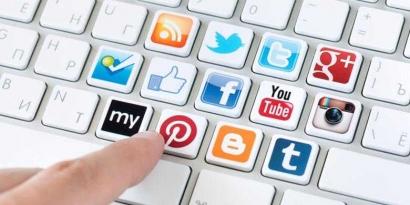 Minim Menggunakan Media Sosial Nyatanya Amat Berfaedah!